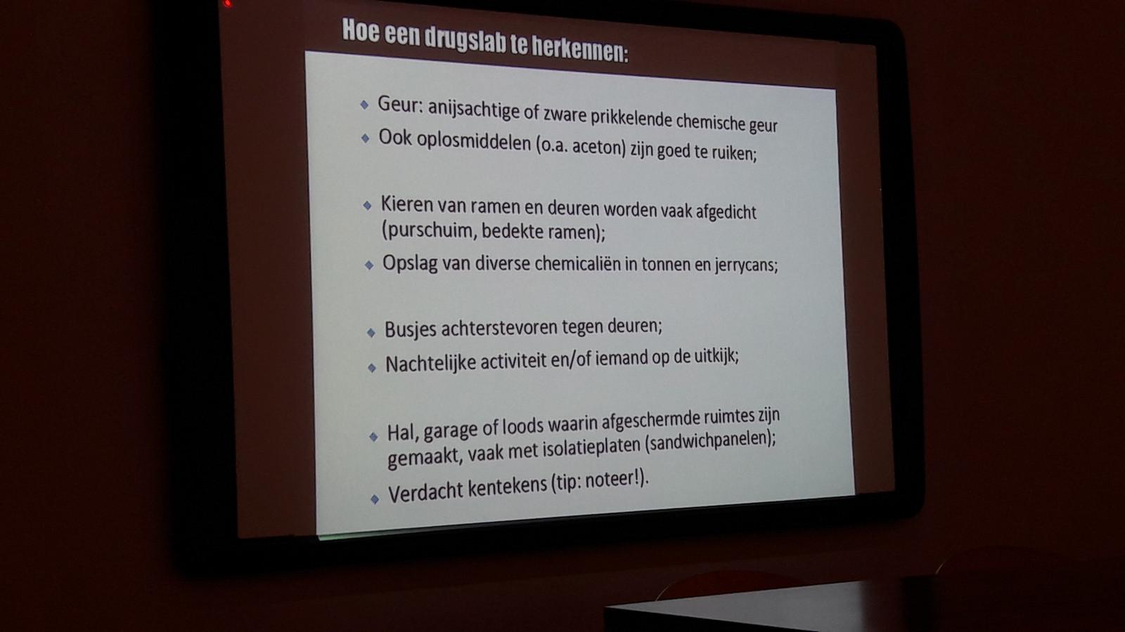 Onderdeel van de powerpoint-presentatie in Rucphen dinsdagavond:  hoe herken je een drugslab?