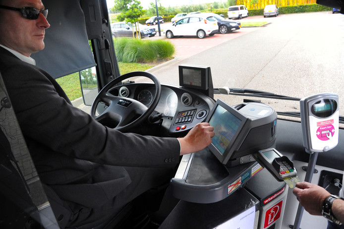 De digitale kassa op Connexxion-bus.