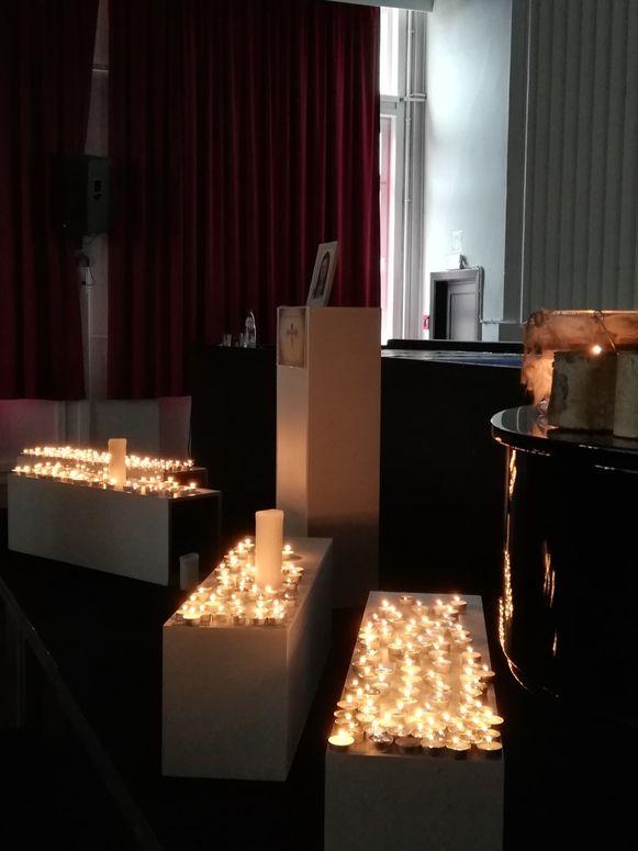 In Gijzegem werd een stille ruimte en een rouwregister geopend.