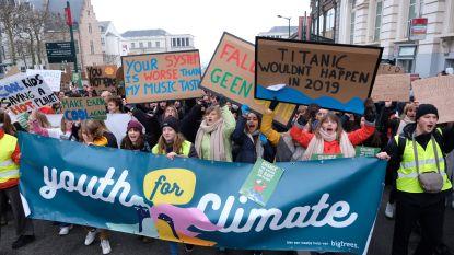 LIVE. Ongezien grote opkomst: 35.000 spijbelende jongeren trekken door Brussel voor derde klimaatbetoging