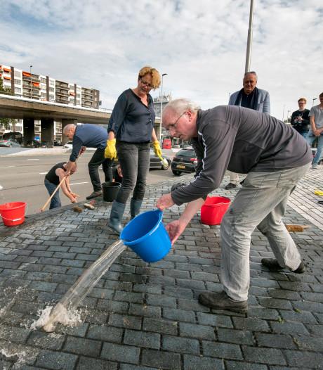 Inzamelactie voor schoonmaken 'Blauwe golven' Arnhem