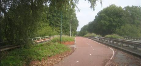 Idee: hapje en drankje op brugplein naar Moerenburg