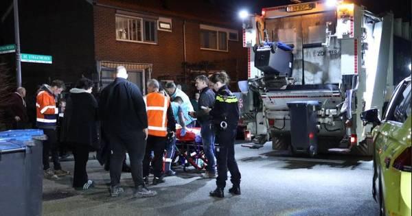 Vrouw raakt gewond bij ongeluk met vuilniswagen tijdens ophalen oud papier in Velp.