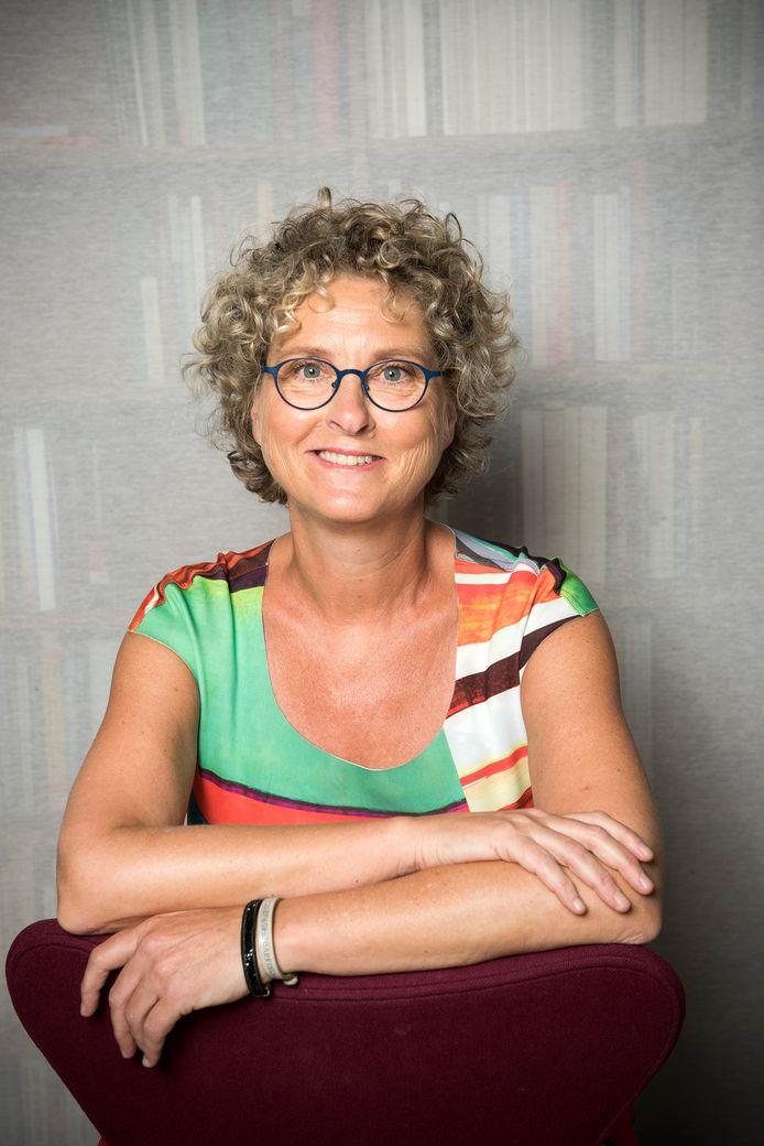 Bertina Mulder uit Epe schreef de misdaadroman De Veluwse Verdwijning.