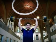 Coaching in de kerk: zware gesprekken tussen de fitnessapparaten