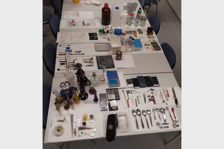 Bij de huiszoeking werd er naast GHB ook heel wat andere drugs zoals XTC, cannabis en speed aangetroffen.