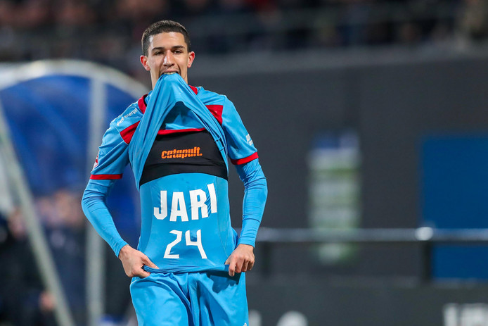Doelpuntenmaker Aitor draagt de goal op aan Jari Oosterwijk. De spits ontbreekt vanwege het overlijden van zijn moeder.