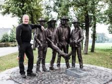 Hans woont tegenover beroemd standbeeld van Normaal: 'Als ik voor elke bezoeker 1 euro kreeg, was ik miljonair'