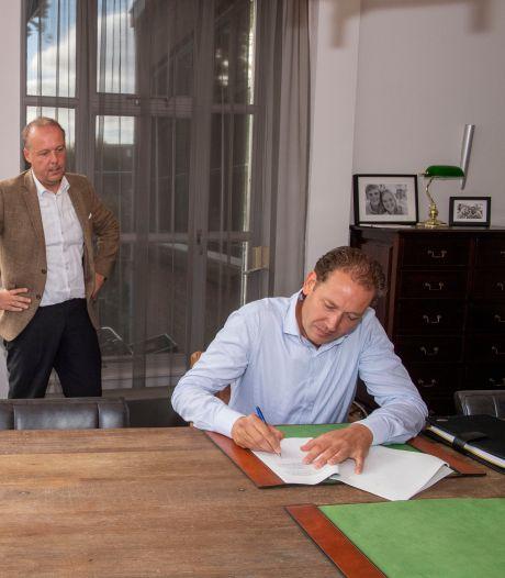 Eerste nieuwe erfpachtcontract Schiedam ondertekend, maar Stichting Erfpachtschade Schiedam blijft strijdbaar