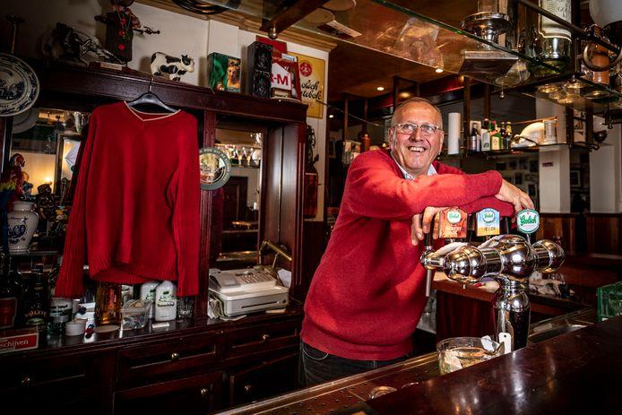 Na meer dan dertig jaar neemt Jos Haarhuis afscheid van de horeca. Ook café Jossie aan de Dorpstraat in De Lutte is nu verleden tijd.