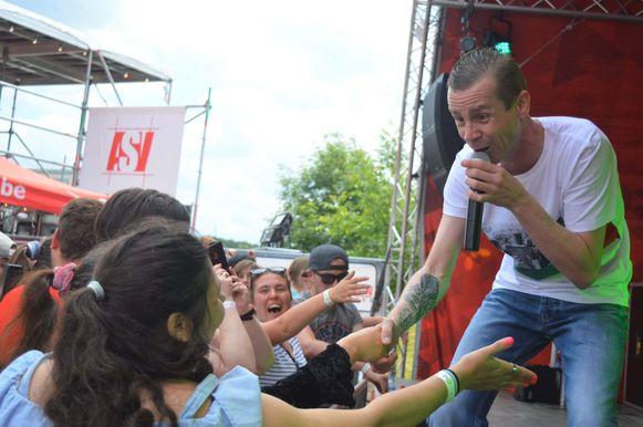 Sam Gooris zorgde voor ambiance op Repmond Rock Plus, het mini-festival voor mensen met een beperking.