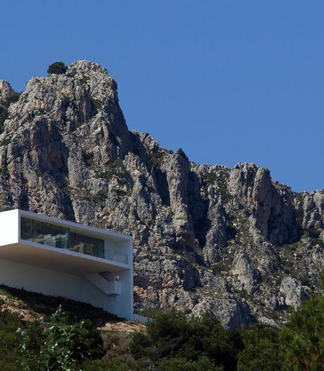 Hemels uitzicht vanuit superstrakke villa op Spaans klif