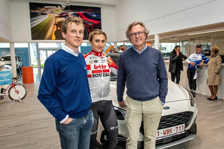 Armand Devos, Carmeron Vandenbroucke en Christophe Devos vieren samen de honderdste verjaardag van Devos & Dewanckel.