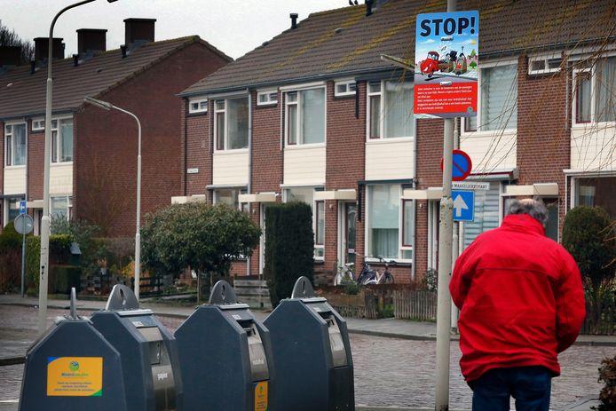 Ondergrondse containers van Waardlanden (archiefbeeld). Iedereen kan ze openmaken. Ook mensen die in hun eigen gemeente moeten betalen voor het wegbrengen van hun huisvuil.