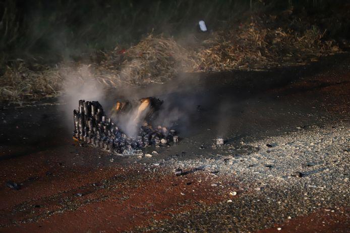 Restjes voorwerk in brand in Boxtel.
