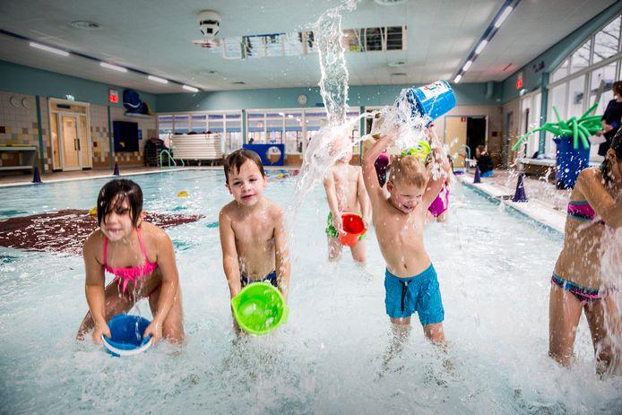 Maandag wordt weer begonnen met een deel van de zwemlessen in zwembad Malkander in Apeldoorn.