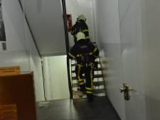 Pan op het vuur veroorzaakt brand in appartement in Breda, bewoner naar ziekenhuis