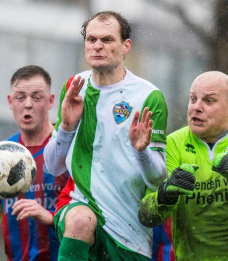Het voetbal in Enschede gaat op de schop: verhuizen, samenwerken of fuseren