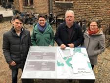 """Nieuw infobord aan Gruuthusemuseum: """"Verplicht aan te raken"""""""