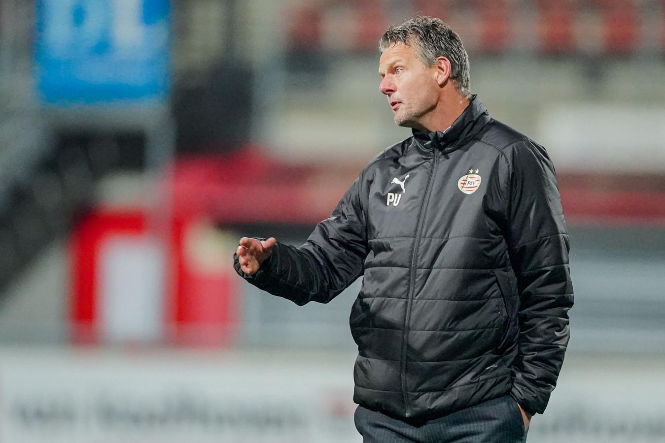 Peter Uneken moest van scheidsrechter Laurens Gerrets in het duel met MVV naar de tribune.