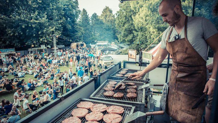 Foodfestival Trek in het Amstel Park is een combinatie van foodtrucks en kleinkunst. Beeld TREK