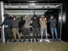 Avondklok: het is overwegend stil in Rivierenland, jongeren spelen kat-en-muis-spelletje met politie in Tiel