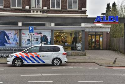 Verdachte van gewapende overval op Aldi moet 'zwabberende loop' showen in rechtbank Breda