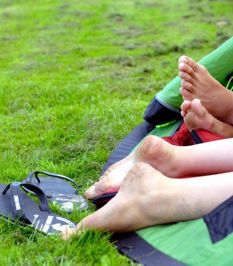Oldenzaler (27) achter de tralies voor ontucht met 15-jarige collega op de camping