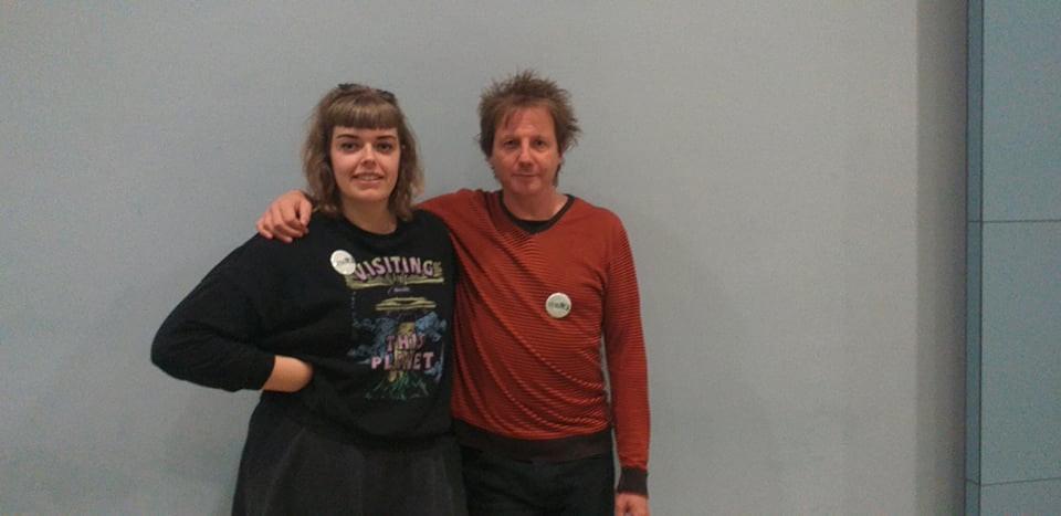 Projectverantwoordelijke stigWA Lisa Peeters (links) en stigWA-ervaringsdeskundige Mick Hutsebaut (rechts)