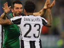 Buffon hoopt dat Alves hem aan ontbrekende prijs helpt