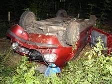 Automobilist vlucht voor politie, belandt in greppel en raakt gewond