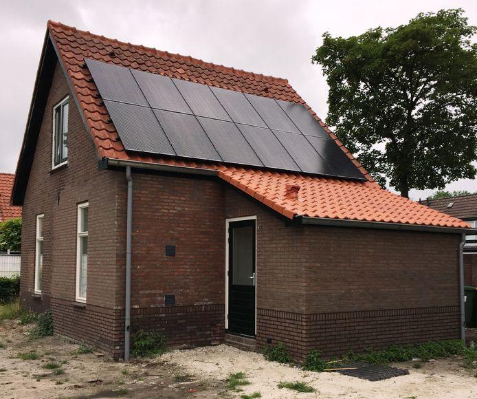 De woning is ruim een eeuw oud, maar zou nu aan de modernste standaarden moeten voldoen wat betreft duurzaamheid.