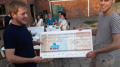 Chirojongens krijgen cheque van 29.000 euro