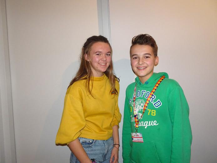 Renée van Loon (links) en haar neef Hugo.