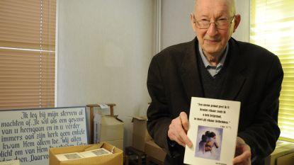 """Pastoor (90) die petitie startte tegen paus houdt grote boekenslag van zijn eigen werken: """"Want de hele pastoriegarage puilt uit"""""""
