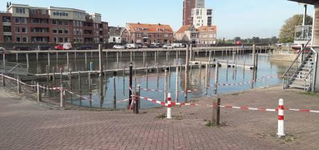 Baggerwerk Buitenhaven Kampen stilgelegd vanwege verdachte stank