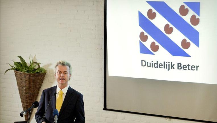 Geert Wilders presenteert de kandidaten van de PVV in Friesland. Beeld anp