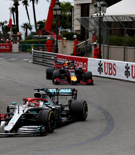 Verstappen kwelt winnaar Hamilton, maar tijdstraf kost Limburger podium