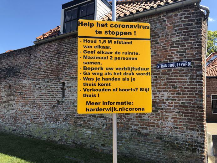 In Harderwijk wordt het publiek gewezen op de maatregelen.