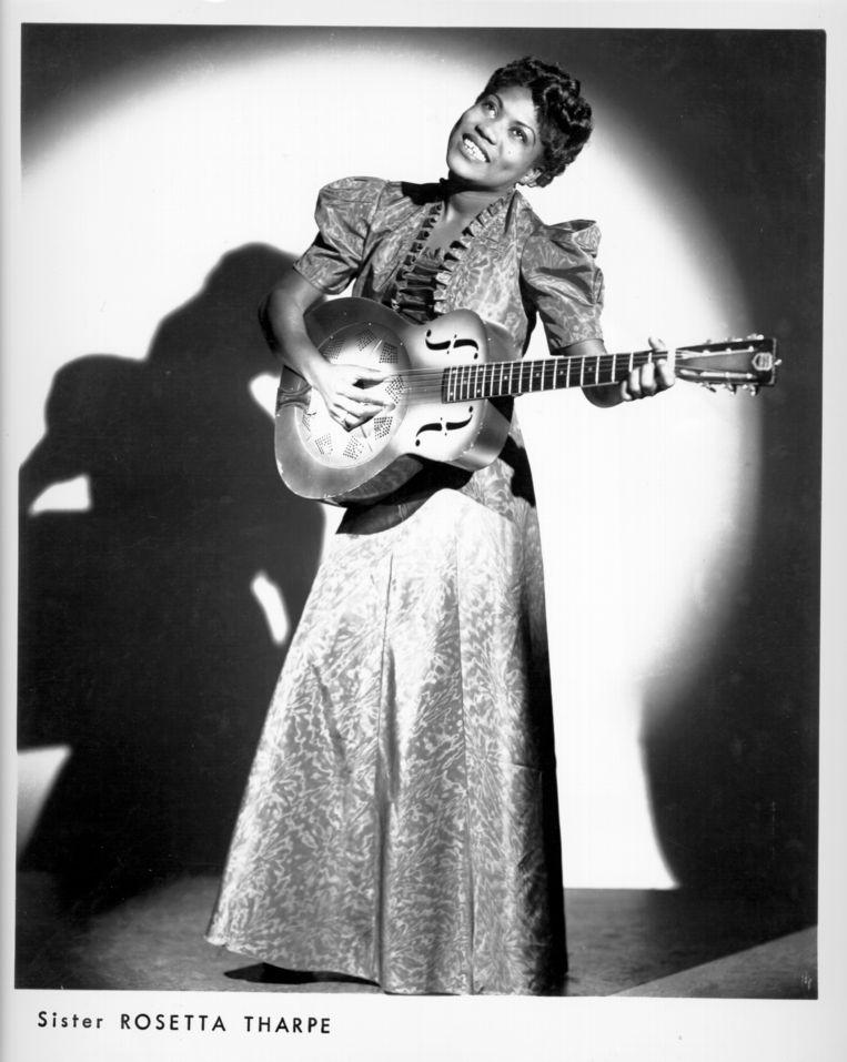 Zangeres-gitarist Sister Rosetta Tharpe in New York, ca. 1940. Beeld null