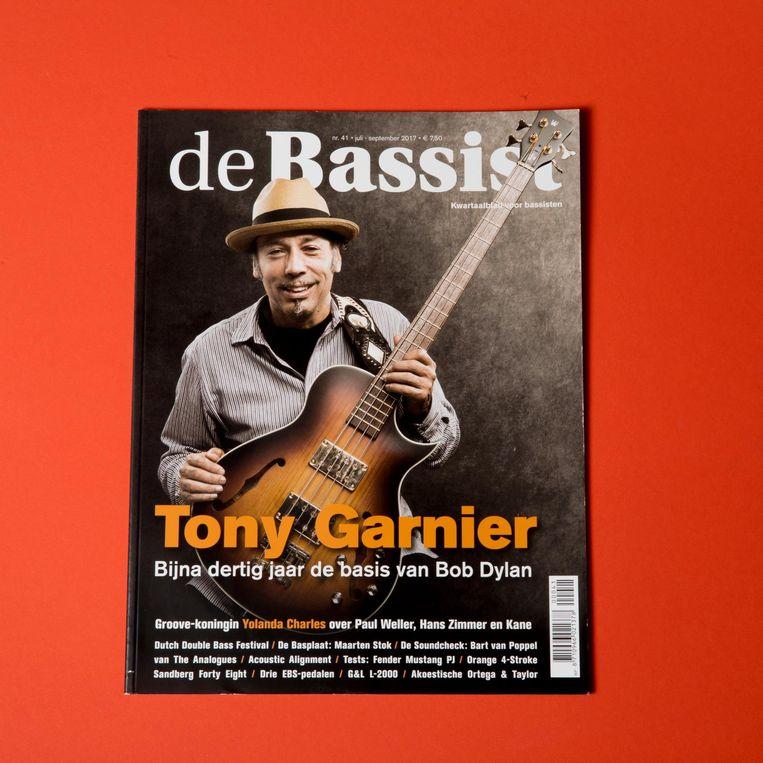 Het muziektijdschrift de Bassist. Beeld
