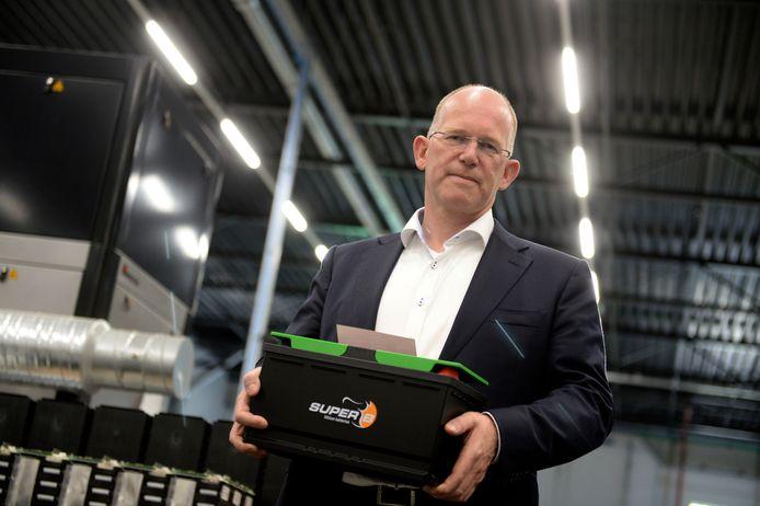 Kees Koolen gaat wel door met Super B, producent van lithium accu's in Hengelo,