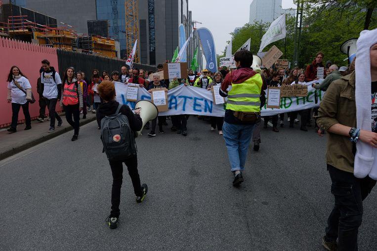 Armoedeorganisaties stappen mee in de betoging. Zij vrezen dat ze vergeten zullen worden in het klimaatdebat.