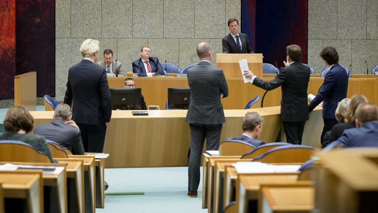 Minister Ard van der Steur van Veiligheid en Justitie, Premier Mark Rutte en Staatssecretaris Klaas Dijkhoff van Veiligheid en Justitie tijdens het debat in de Tweede Kamer. Beeld anp