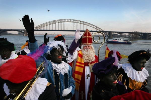 Intocht Sinterklaas op de Waalkade in Nijmegen.