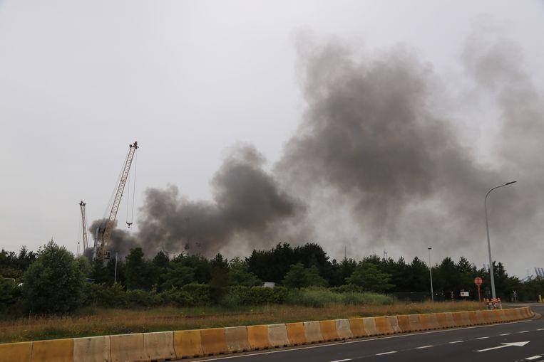De rookpluim was van kilometers ver te zien.