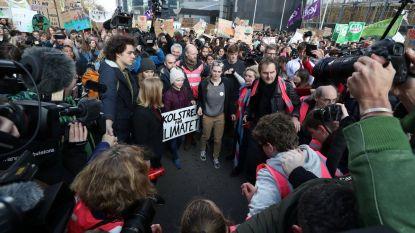 LIVE. 7.500 deelnemers voor zevende klimaatmars, politie moet Greta Thunberg begeleiden wegens massale aandacht