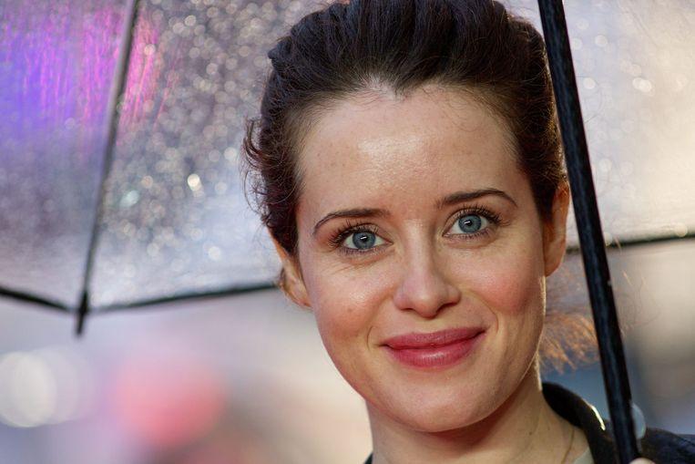 De Britse Actrice Claire Foy (32) kreeg het beeldje voor beste vrouwelijke hoofdrol in een serie en droeg de prijs op aan de echte Britse koningin Elizabeth, die ze in 'The Crown' speelt.