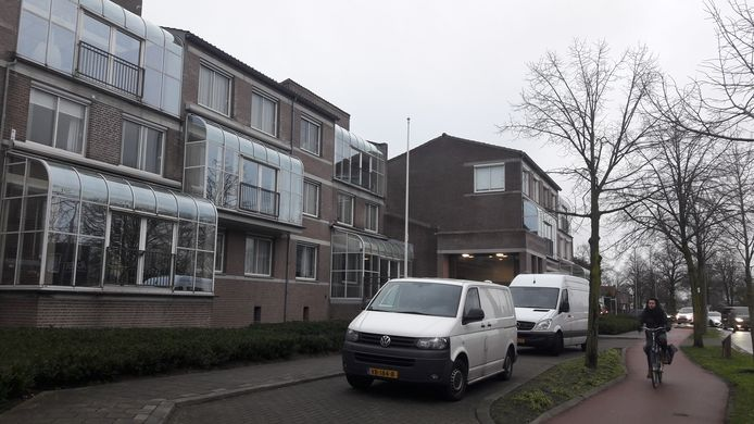 Het complex aan de Burgemeester Mazairaclaan waar in februari een 83-jarige vrouw dood in haar woning werd aangetroffen.