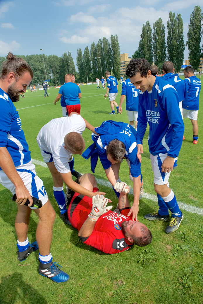 Eendracht-doelman Nick Wiggers is de held van de penaltyserie.